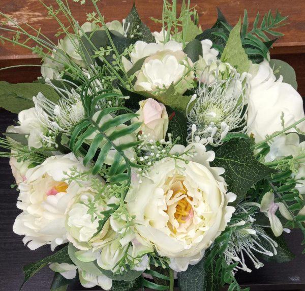 composizione fiori sintetici
